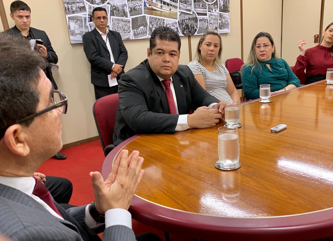 Diretoria reúne-se com presidente e corregedor do TJAP para tratarem sobre a Retenção de Tributos Federais em Alvarás