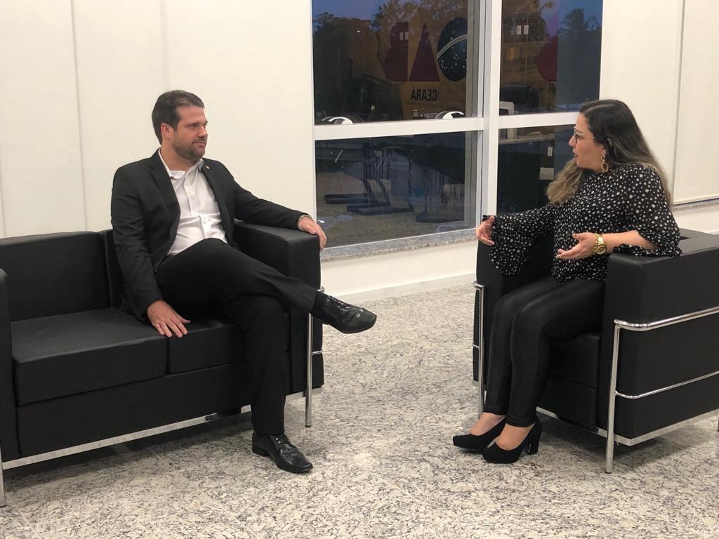 Secretária-geral da OAB/AP realiza visita institucional à OAB/CE