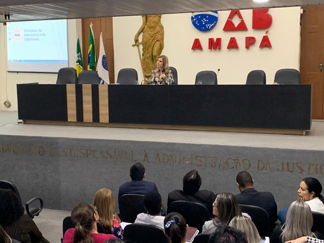 Direito Público é tema de aula magna da Pós-Graduação na ESAAP