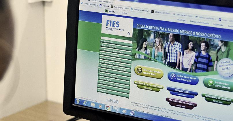 OAB-AP pede a suspensão de cobranças do FIES, junto ao MEC