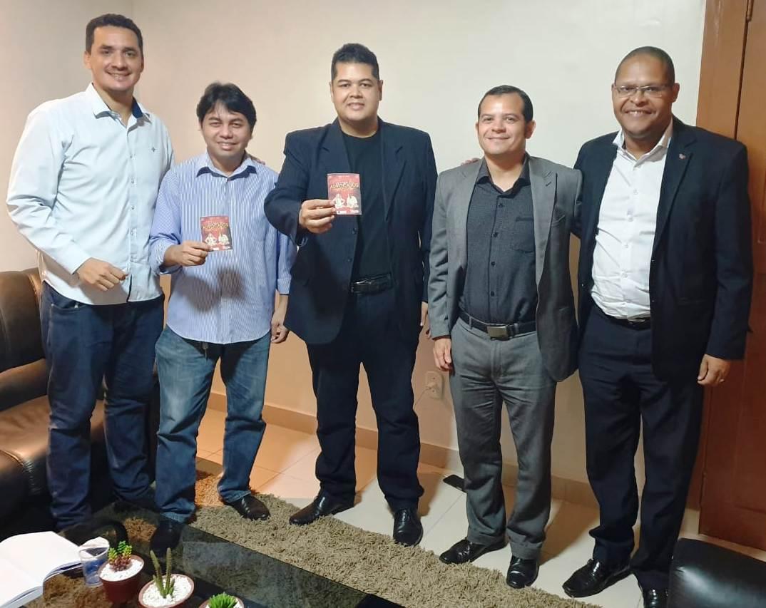 Representantes da equipe OAB Master de Futebol reúnem com a presidência da Ordem